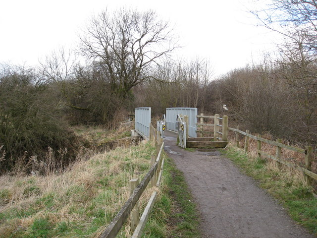 Bilby Lane - Footbridge over the River Rother
