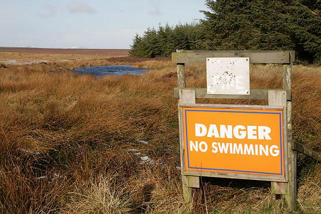Danger, no swimming