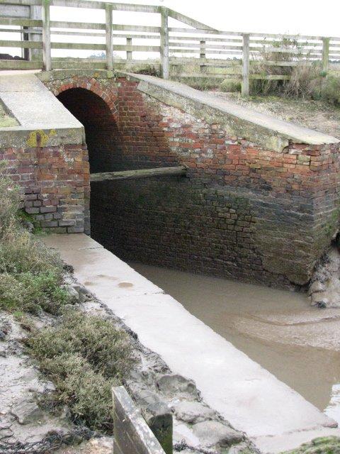 The sluice gate at Thornham Creek