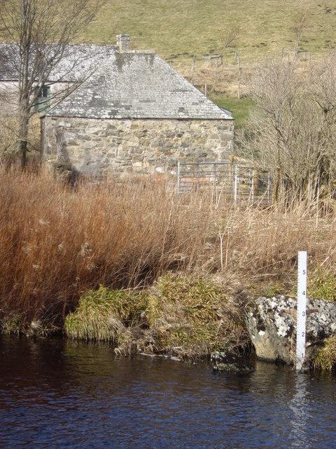 Water-depth gauge on Deveron