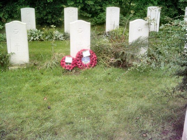 Topcliffe Cemetery - Graves of the crew of R.A.F. Neptune  Aircraft WX545
