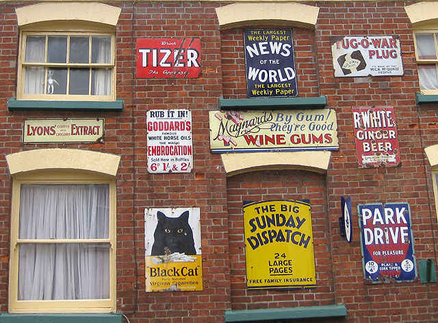 Selection of enamel signs