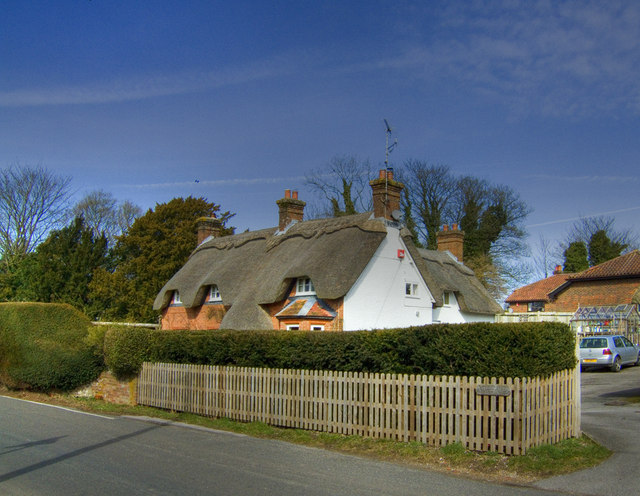 Thatched Cottage - New Cheriton