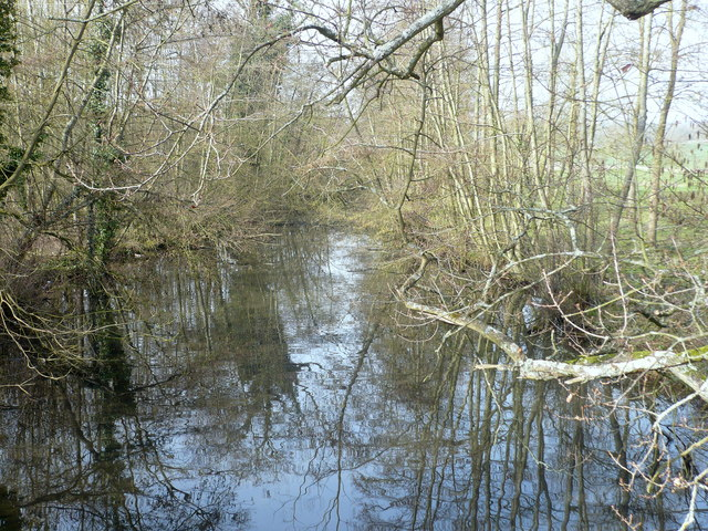 View from the bridge over Eastwell Lake looking westwards