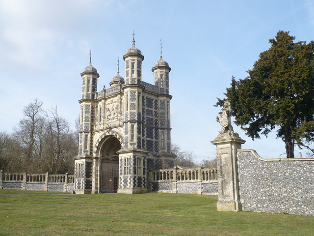 The gatehouse to Eastwell Park viewed from the A251