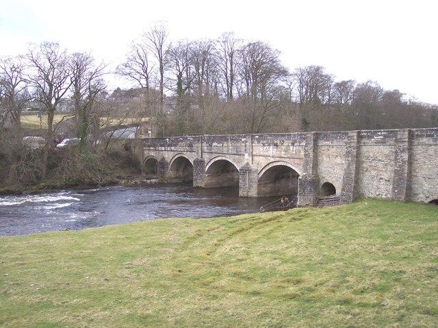 Roadbridge over the River Wharfe at Grassington