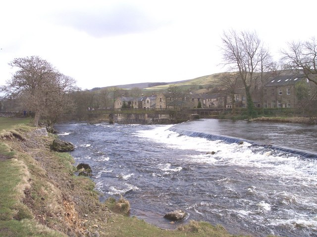 Linton Lower Weir and footbridge