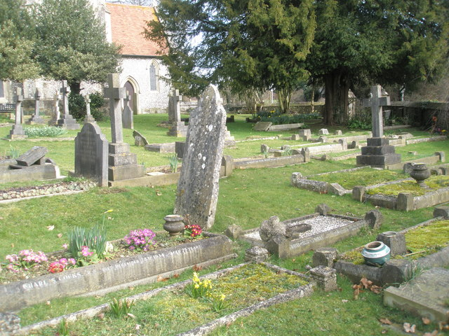 Graves in the churchyard at Holy Trinity, Blendworth