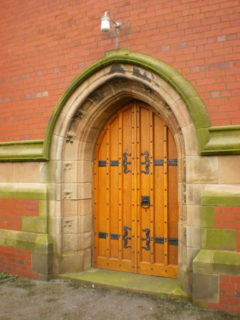 St Thomas' Parish Church, St Annes on the Sea, Doorway