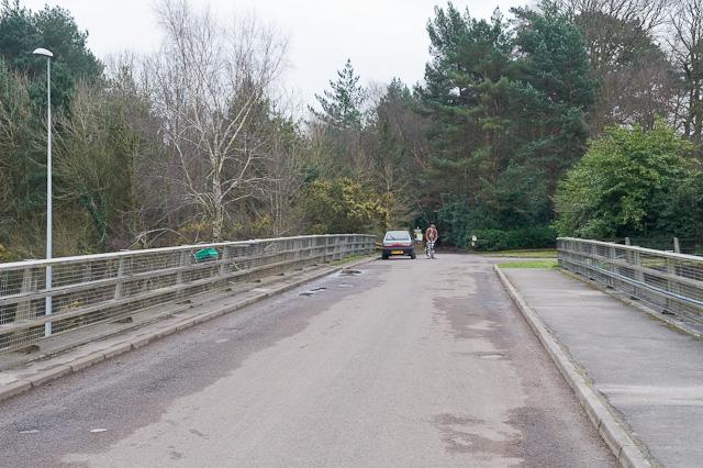 Chilworth Drove crosses M27 motorway