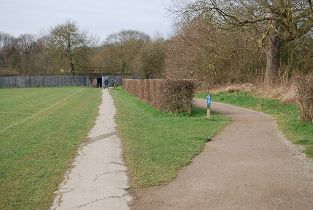 Wealdway to the left, National Cycleway 12 to the right