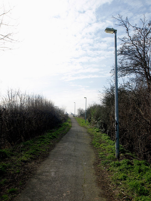 Footpath to the A63 footbridge