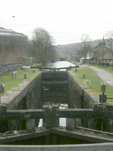 Travis Mill Lock No 28 - Rochdale Canal - St Peter's Gate