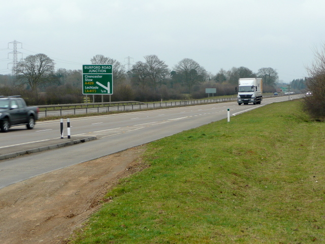 A417 dual carriageway north of Cirencester