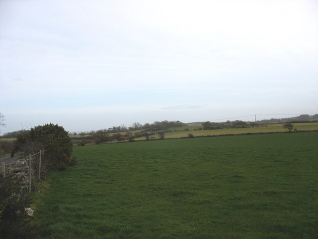 View northwards across farmland towards Ynys-felan-fawr