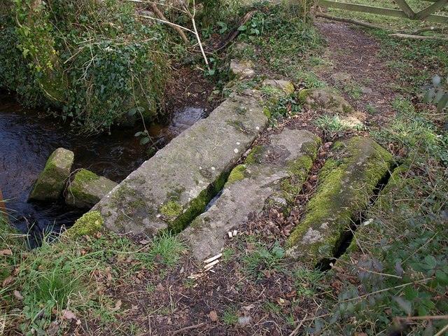 Bridge across leat, Dunsford