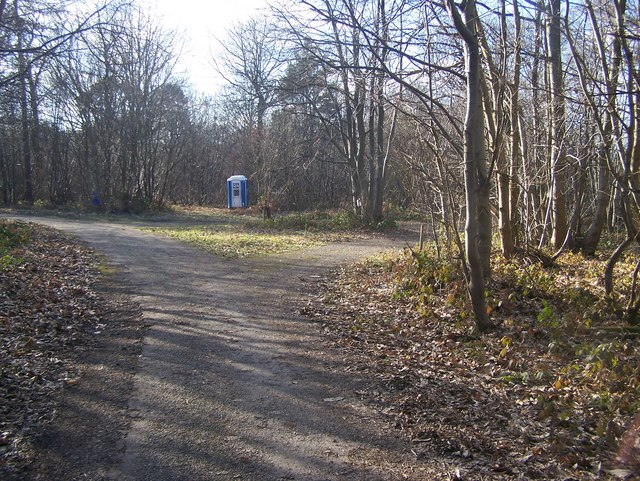 Bridleway junction in Mereworth Woods