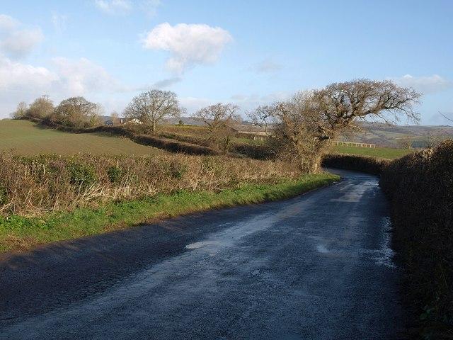 Lane to Chuley Cross