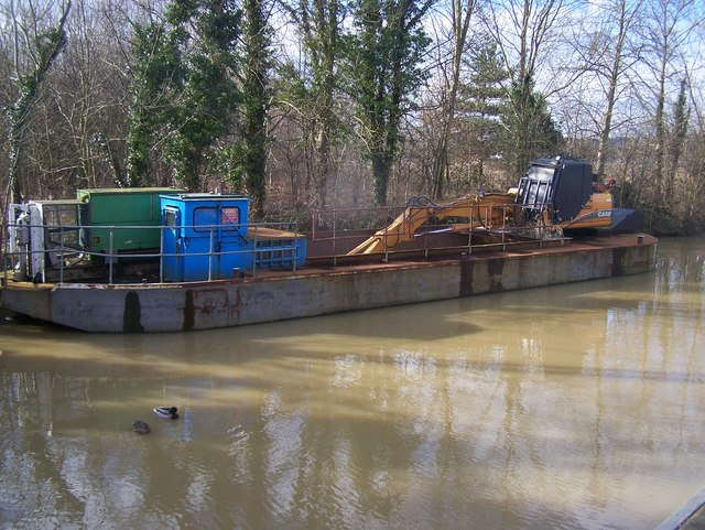 River Medway cleaning Barge