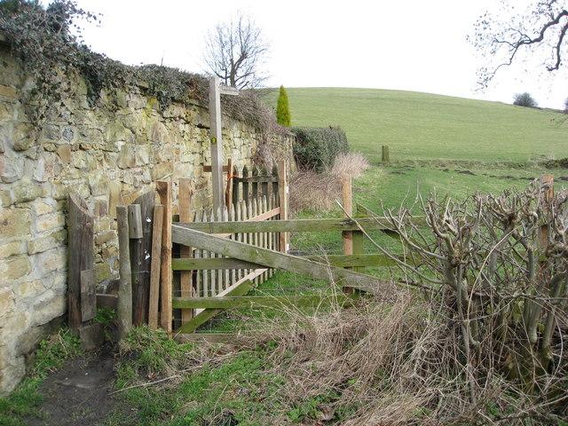 Wingfield Park - Footpath to Wingfield Manor