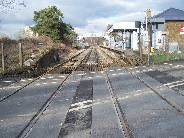 Railway into Yalding Station