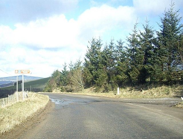 Signpost for Auchindoun Castle