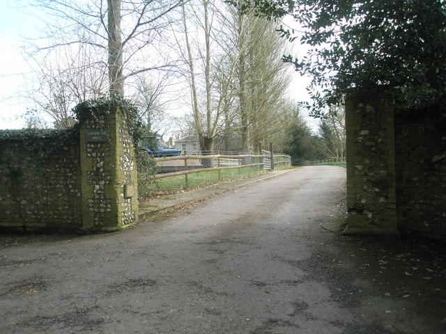 Entrance to Cadlington House in Blendworth Lane