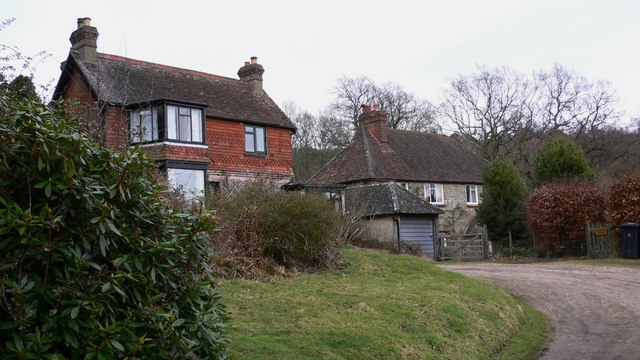 Houses on Woolbeding Common