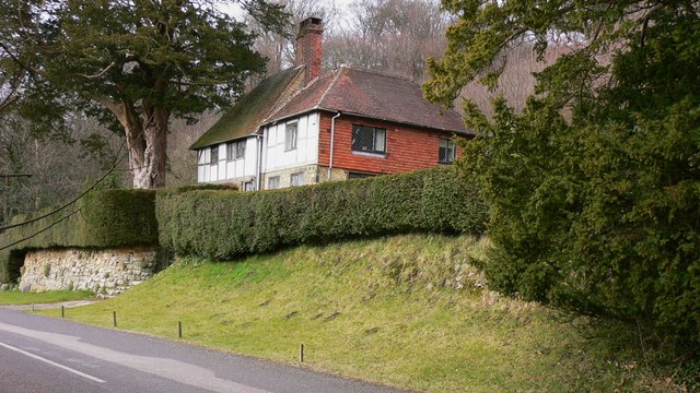 Hirtwell Cottage below Hollycombe Hanger