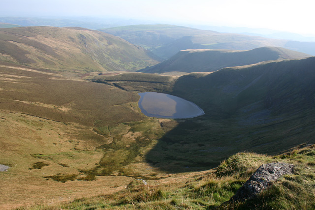 View towards Llyn Lluncaws