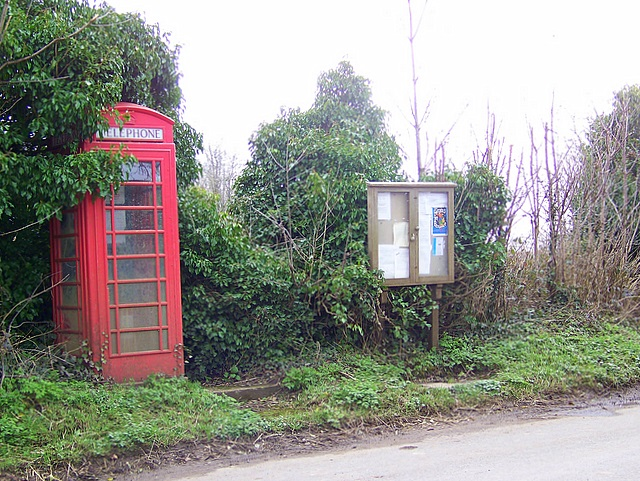 Telephone box, Newtown