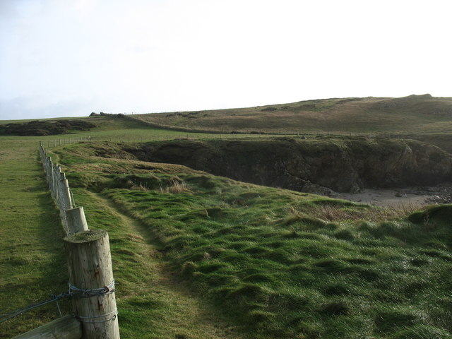 Cliff top path south of Trecastell Bay