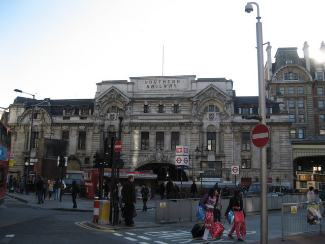Victoria Station London, Southern Railway Building