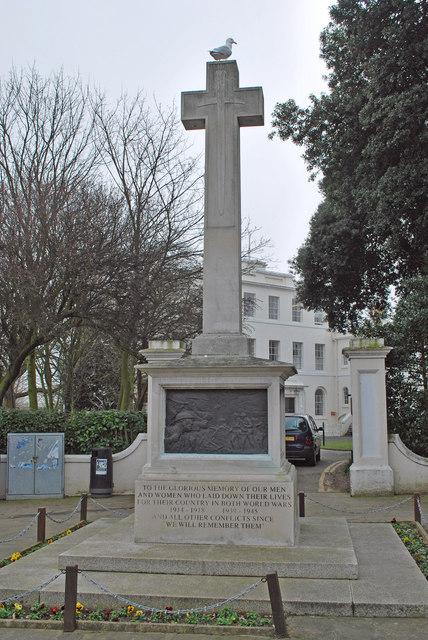 War memorial and Pierremont Hall