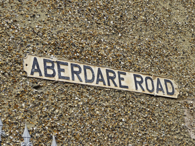Road name sign, Aberdare Road, Enfield
