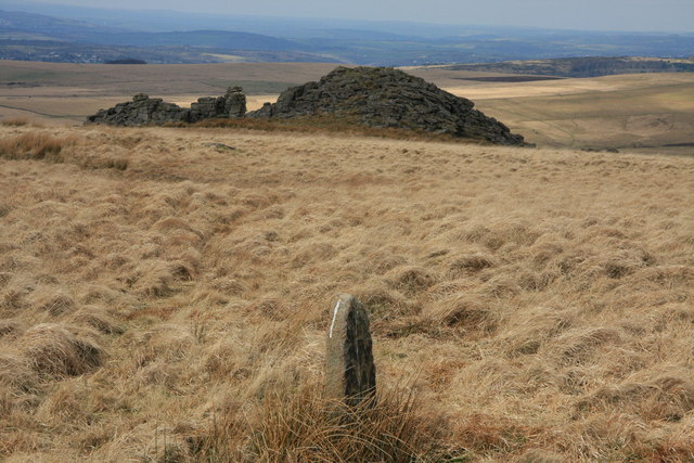 Boundary Stone above Hen Tor