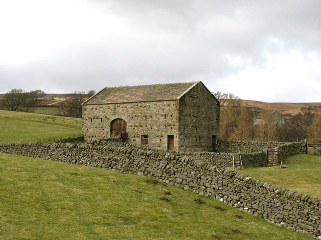 Field barn above How Stean Beck