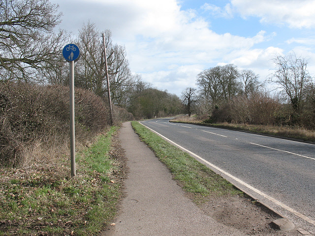Shared use footpath alongside the A428