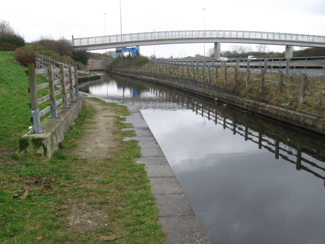Rochdale Canal at M60 crossing