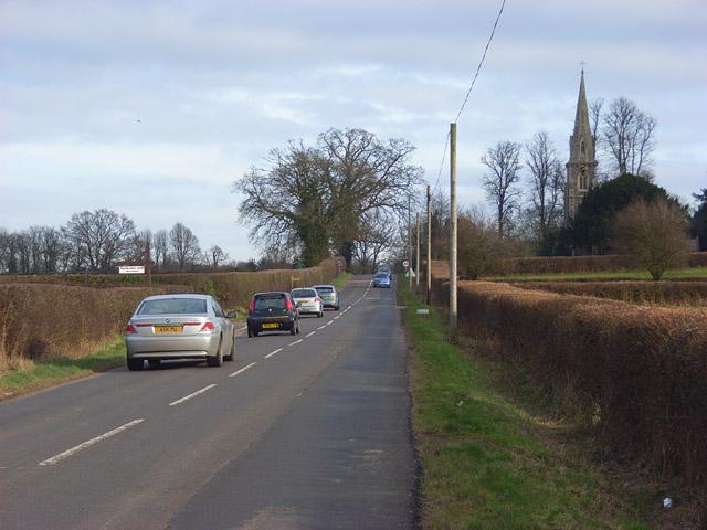 Road approaching Ashford Hill