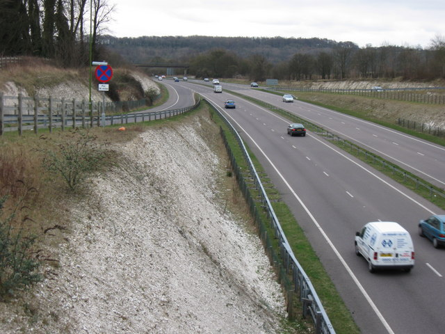 Tring Bypass (A41) – Chiltern Hills in the distance