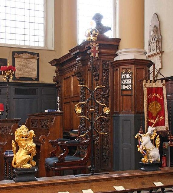 St James Garlickhythe, Garlick Hill, London EC4 - Sword rest