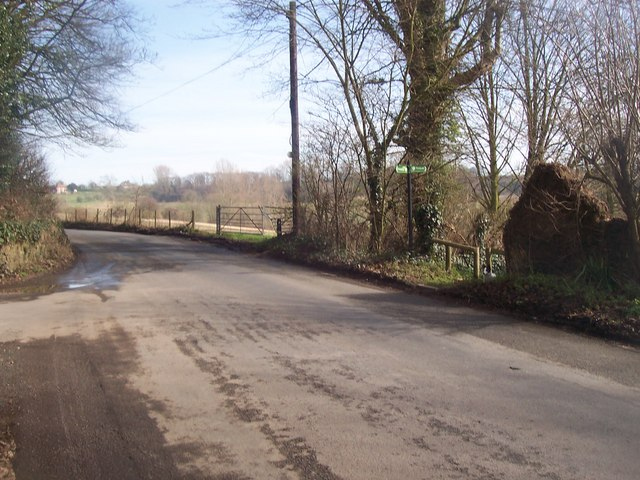 Greensand Way crosses Ulcombe Hill road