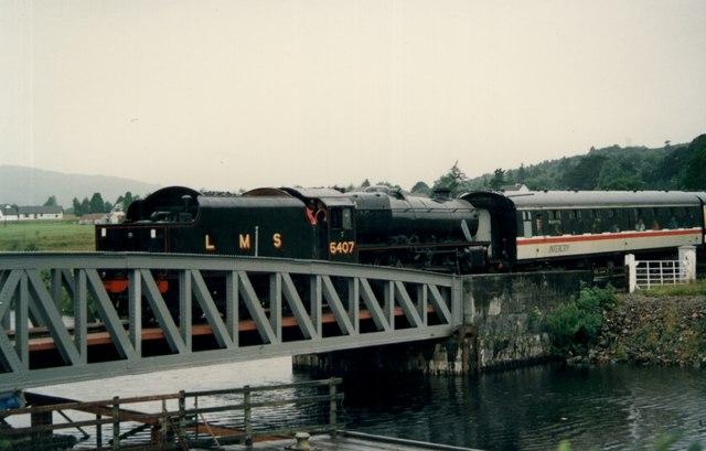Banavie - railway swing bridge