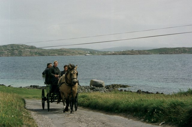 Horse drawn taxi on Iona