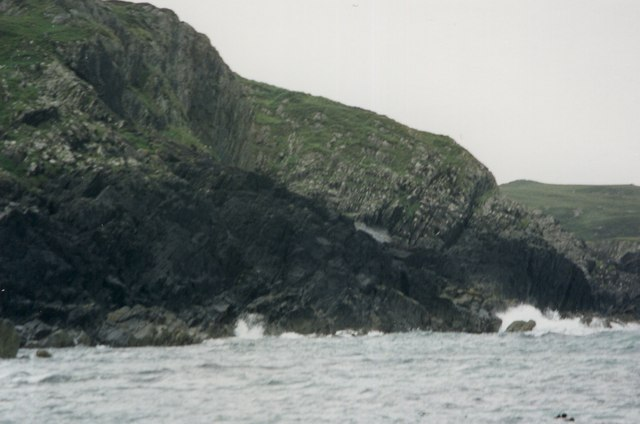 Spouting cave, Iona
