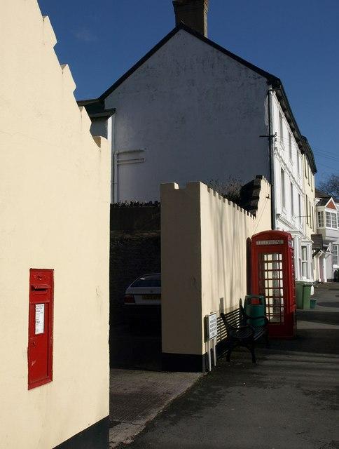 Victorian postbox, East St, Ashburton