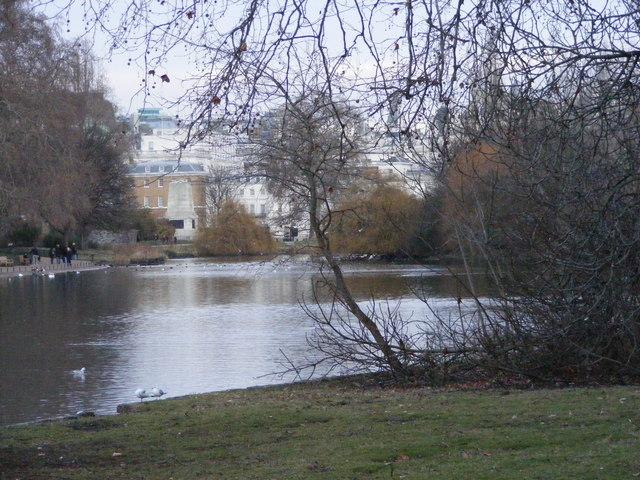 St James's Park Lake