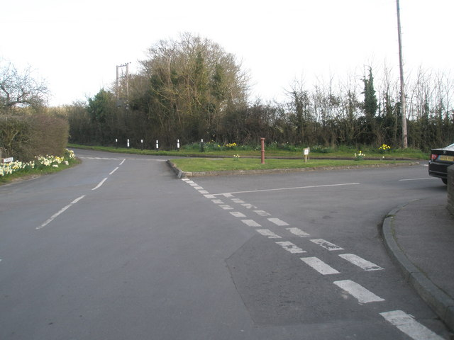 Traffic island at the junction of Commonside and River Street