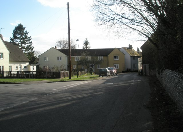 Approaching the junction of River Street and Mill Road
